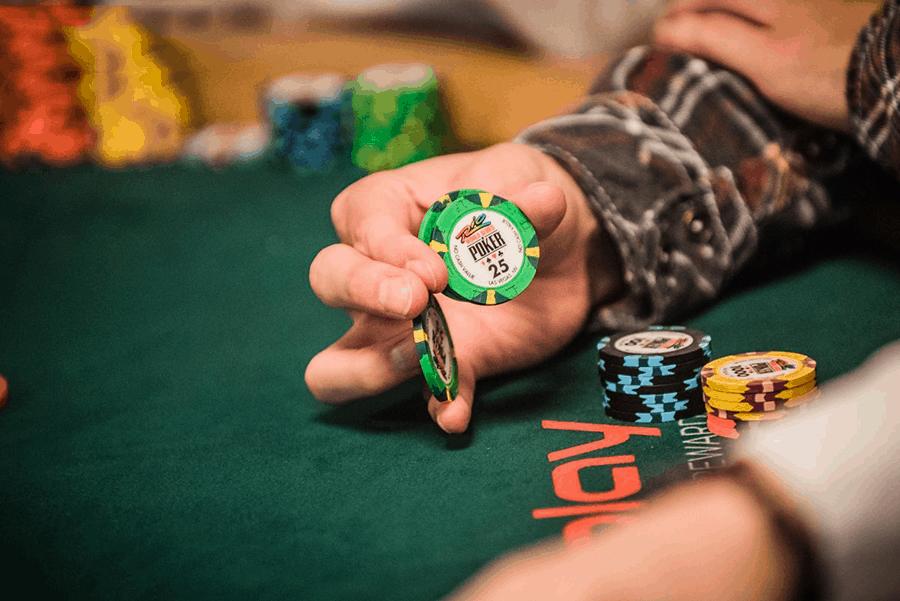 song dau tri poker online - noi the hien dang cap - hinh 2