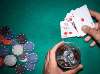 Một trong những kỹ năng thường được sử dụng trong Poker - Đoán bài - Hình 1