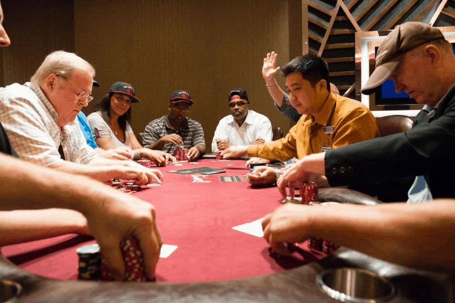Trả lời câu hỏi: Làm thế nào để trở thành cao thủ trong game Poker online - Hình 1