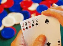 Chia sẻ đến người chơi cách chơi cực hay từ những cao thủ Poker