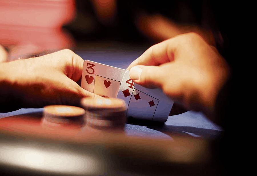 Cách thức chọn hand khi chơi Poker dễ hay khó?