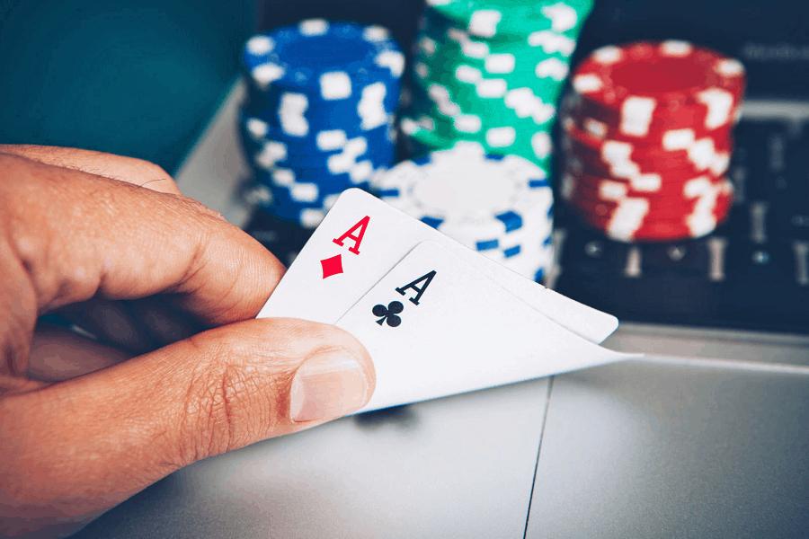 Hai sai lầm lớn đối với người chơi Poker trung bình
