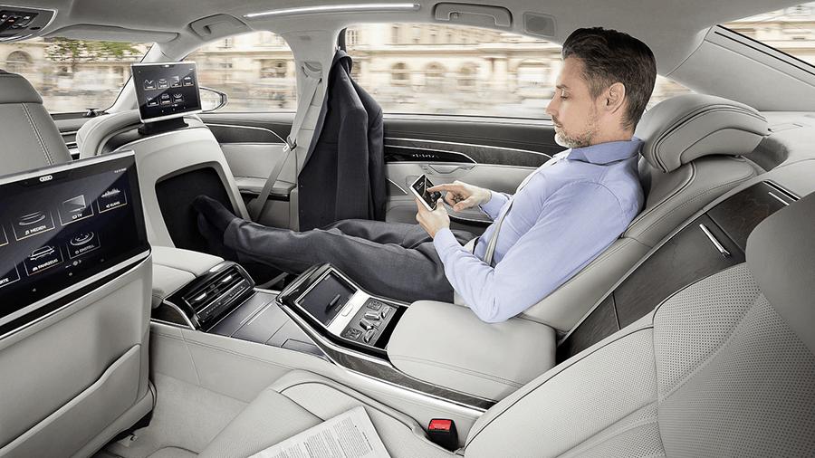 Điềm báo ngồi trên xe ô tô cuộc sống nở hoa hay cuộc đời bế tắc?