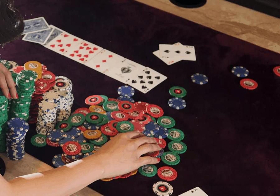 """Một số thủ thuật """"ăn điểm"""" từ trò chơi Blackjack"""