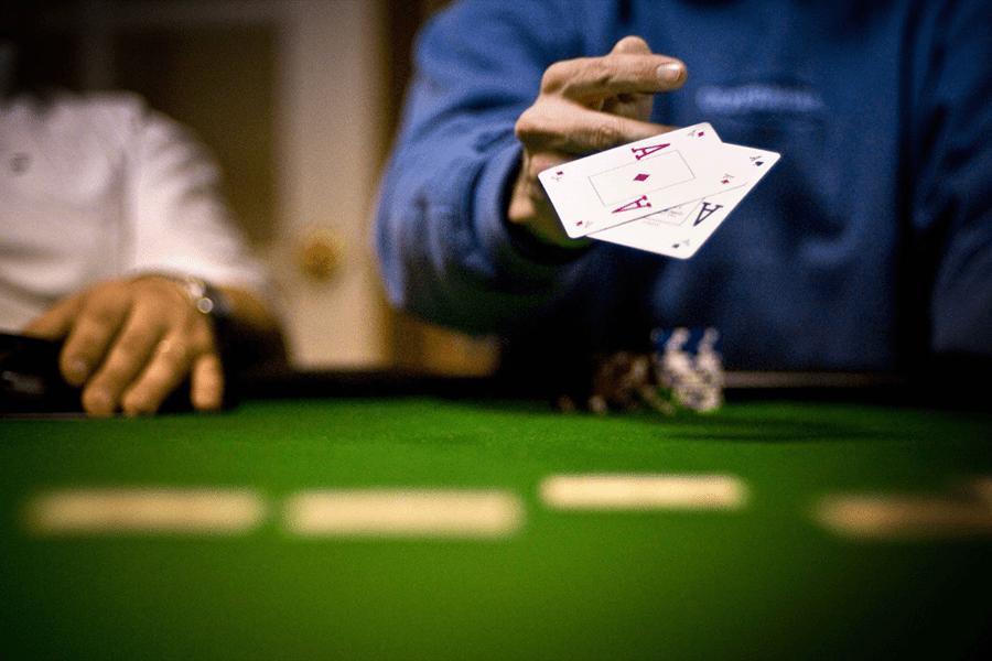 Nguyên nhân Poker được yêu thích trong làng game cá cược là gì?