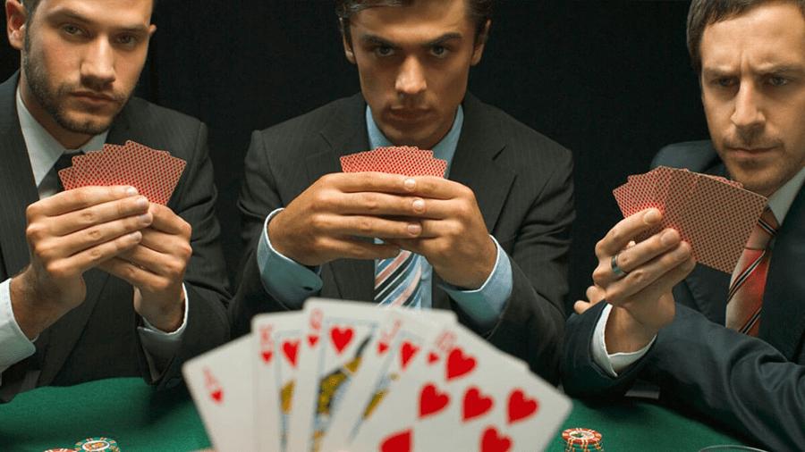 Tìm hiểu về trò chơi kiếm tiền, giải trí hàng đầu hiện nay - Poker
