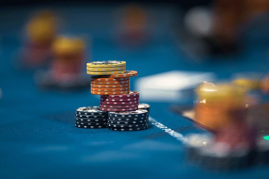 Kinh nghiệm chơi bài Poker từ các cao thủ