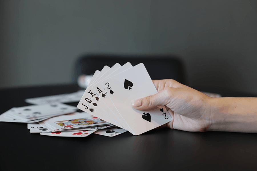 Kinh nghiệm chơi Poker một cách chuyên nghiệp