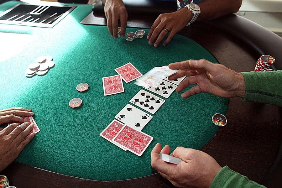 Nguồn gốc và cách chơi game Blackjack đình đám