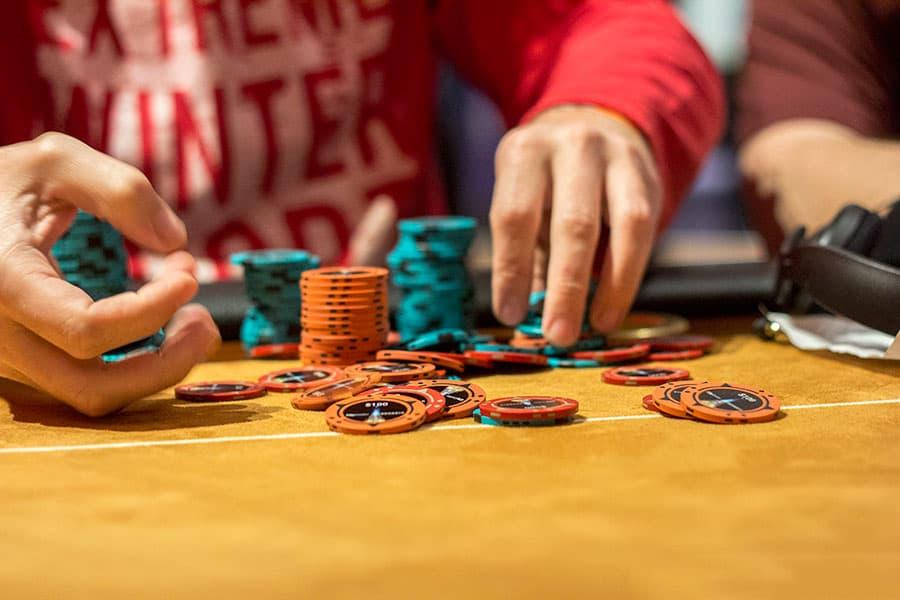 Phân loại người chơi Poker và cách ứng phó