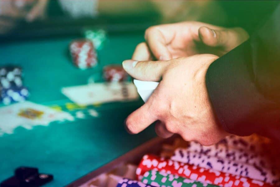 Bí quyết chơi Poker chỉ với 8 bước đơn giản