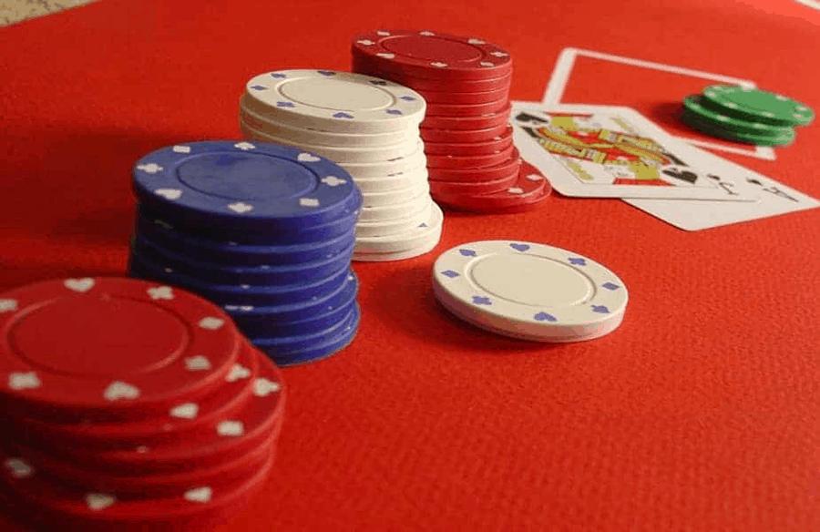Góc giải đáp những điều thú vị của Poker trực tuyến