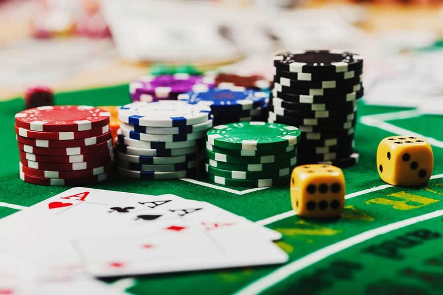Tìm hiểu về Baccarat - Trò chơi mang tính biểu tượng tại sòng bạc